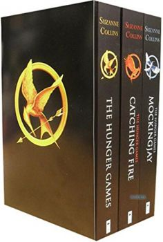 The Hunger Games Trilogy Classic Box Set (Suzanne Collins)